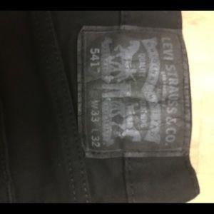 Levi 541 33 x 32 black jeans like new